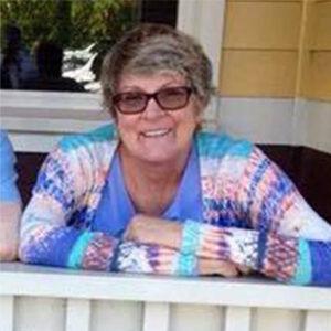 Lynn Lizarraga